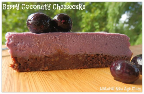 Berry coconuty raw cheesecake