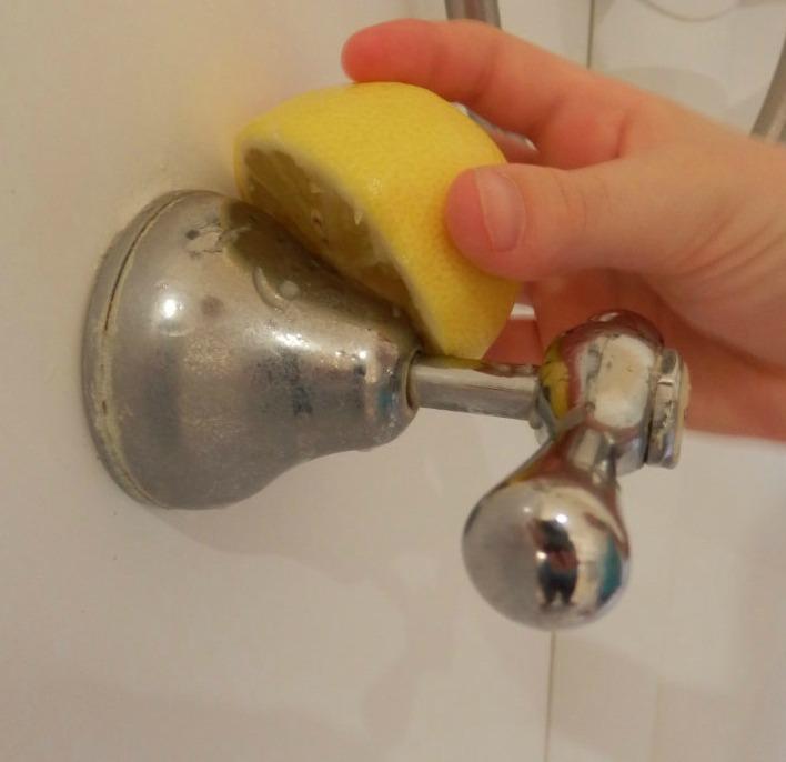lemon shower cleaning