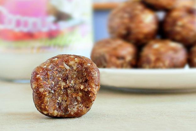 2 Ingredients coconut cookie dough balls