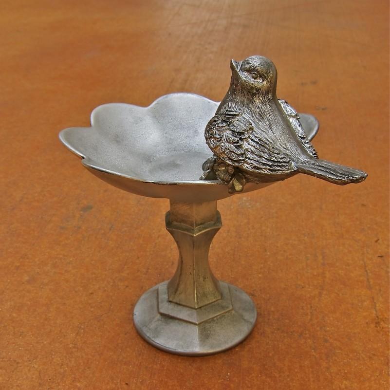 Upcycled bird dish
