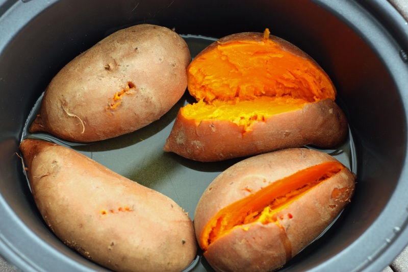 Sweet Potatoes in the Slow Cooker - Super Healthy Kids