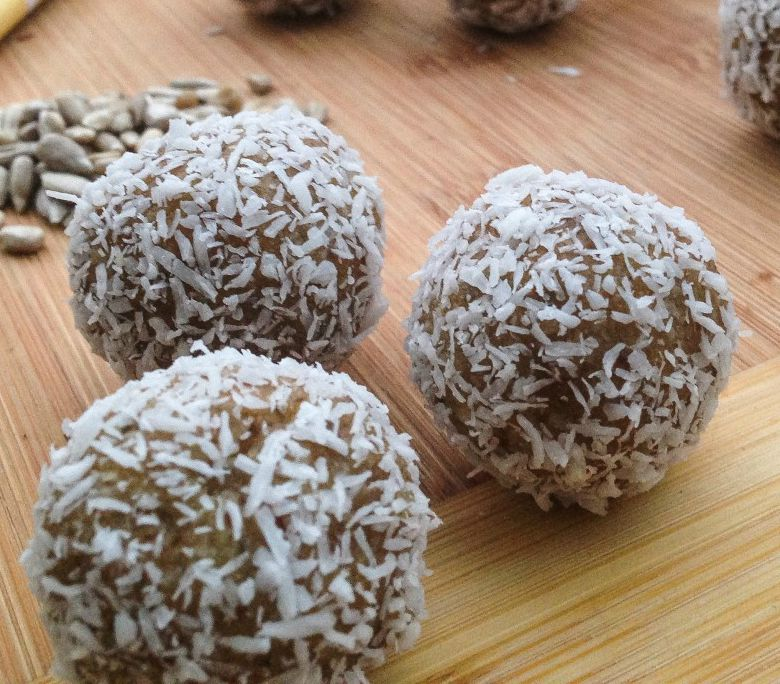 Lemony Balls by The Nourished Psychologist