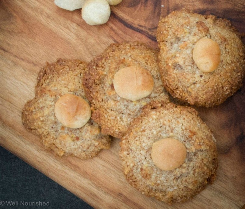 Lemon and Macadamia Cookies by Well Nourished