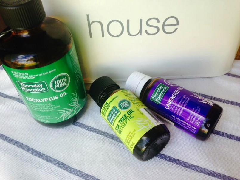 How to replace toxic cleaning products with essential oils