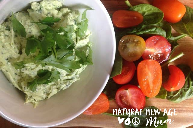 Easy Herb and Garlic Green Dip